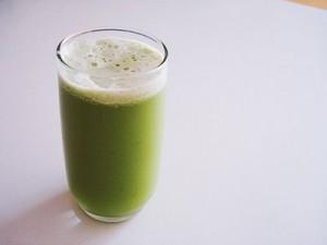 Le jus de légumes verts, le geste santé au quotidien